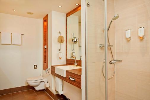 特雷弗呂貝克城市中心酒店 - 呂貝克 - 呂貝克 - 浴室