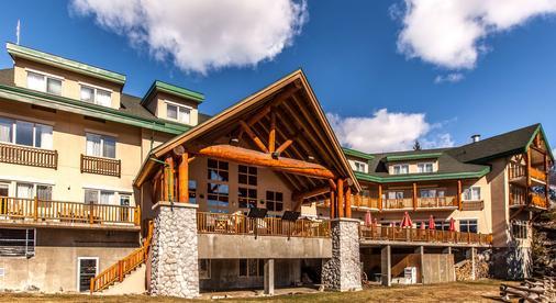 Coast Hillcrest Hotel - Revelstoke - Building