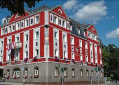 Hotel Strauss - Hof - Building