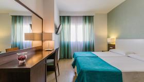 Hotel Don Juan - Granada - Bedroom