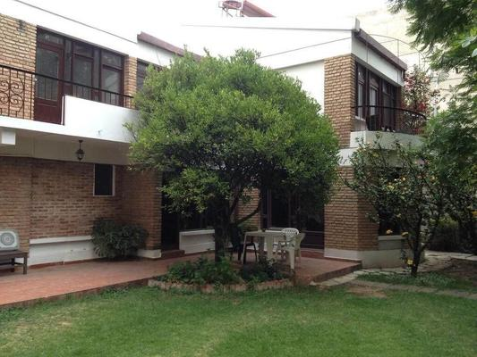 El Jardin Suites and Guest House - Cochabamba - Building