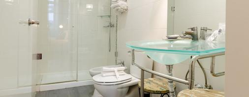 Hotel Inn Rossio - Lisbon - Bathroom