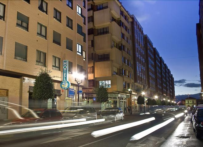 Hotel Playa Poniente - Gijón - Rakennus