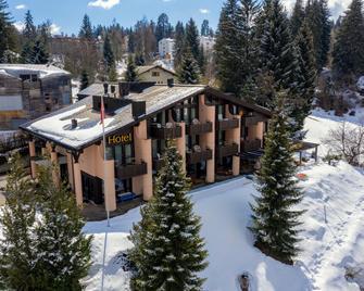 T3 Hotel Mira Val - Flims - Gebouw