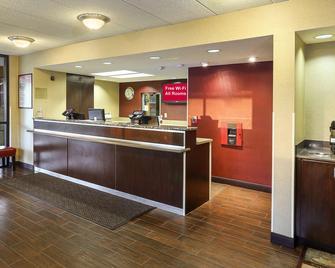 Red Roof Inn Plus+ Washington DC - Oxon Hill - Oxon Hill - Рецепція
