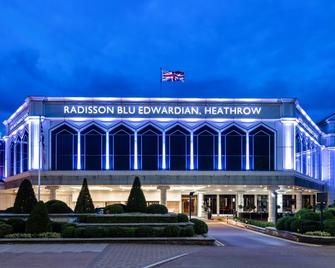 Radisson Blu Edwardian Heathrow Htl - Hayes - Building