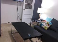 Gabriels Apartments - Tegucigalpa - Living room