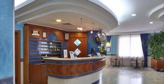 B&B Hotel Pescara - Pescara - Lễ tân