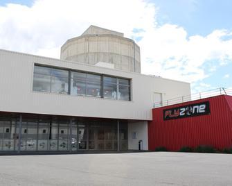 Auberge Flyzone - Lezignan-Corbieres - Edificio