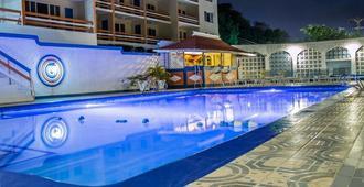 Hotel Montego - מונטגו ביי - בריכה