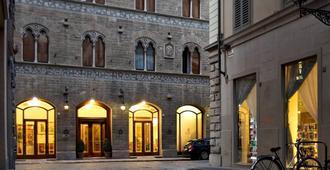 Hotel Pierre - Florencia - Edificio