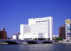 โรงแรมโอกุระ นีงาตะ - นิงาตะ - อาคาร
