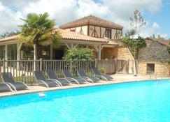 Hotel Le Mas de Castel - Sarlat-la-Canéda - Pool