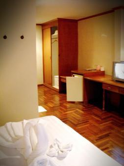 BBB Inn Gay Hotel - Bangkok - Makuuhuone