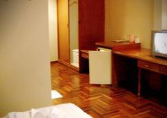 BBB Inn Gay Hotel - Bangkok - Bedroom