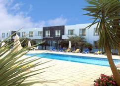 Hotel Vale Do Navio - Capelas - Pool