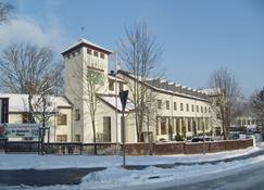 Jembo Park - Jena - Building