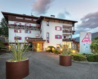 Hotel Latemar - Castello di fiemme - Будівля