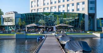 Best Western Plus Hotel Groningen Plaza - Groninga - Edificio