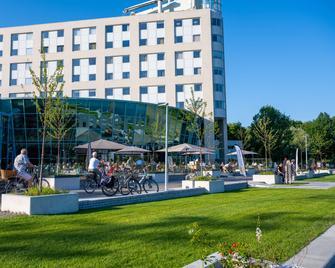 Best Western Plus Hotel Groningen Plaza - Groningen - Gebäude
