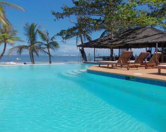 Romantic Beach Villas - General Luna - Pool