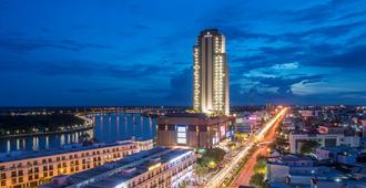 Vinpearl Hotel Can Tho - Cần Thơ - Pemandangan luar