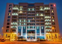 Ramada Hotel & Suites by Wyndham Amwaj Islands Manama - Muharraq - Building