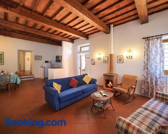 Agriturismo Fattoria di Sommaia - Calenzano - Living room