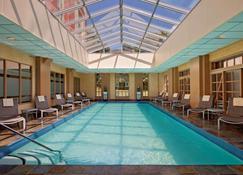 Hyatt Regency Greenwich - Greenwich - Zwembad