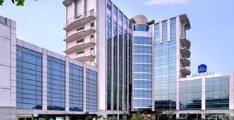 Sky City Hotel - Gurugram - Toà nhà