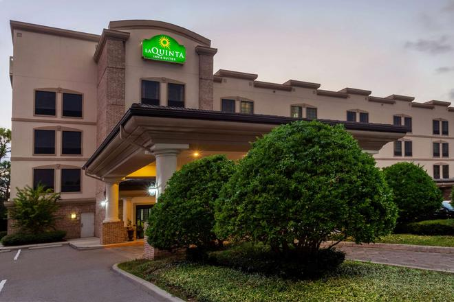 La Quinta Inn & Suites by Wyndham Port Orange / Daytona - Port Orange - Building