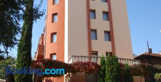 Family Hotel Saint Iliya - Burgas