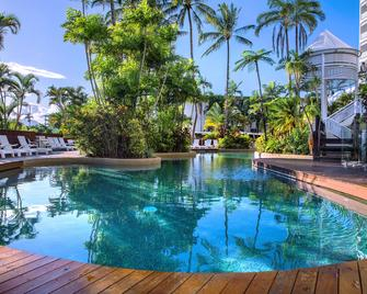 Rydges Esplanade Resort Cairns - Cairns - Pool