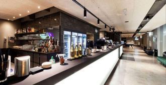 a&o Frankfurt Ostend - Fráncfort - Bar