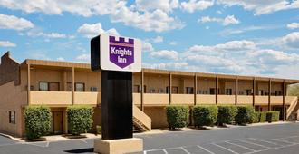 Knights Inn Page AZ - Page - Building