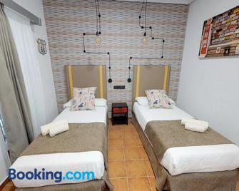 Hostal Boutique La Española by Bossh Hotels - Rota - Camera da letto