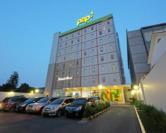 POP! Hotel Tebet Jakarta - South Jakarta - Building