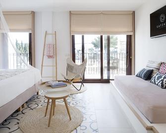 Gatzara Suites Santa Gertrudis - Santa Gertrudis de Fruitera - Building
