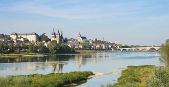 Ibis Blois Centre Chateau - Blois - Vista externa