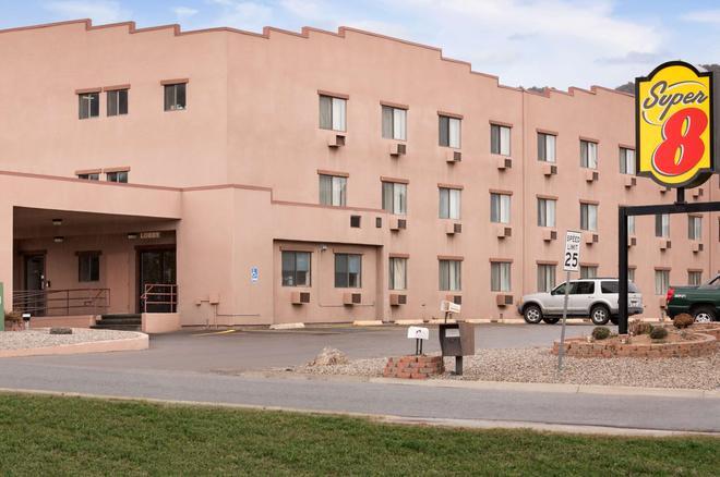 杜蘭戈速 8 酒店 - 杜朗哥 - 杜蘭戈(科羅拉多州) - 建築