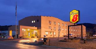 Super 8 by Wyndham Durango - Durango - Building