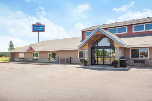 AmericInn by Wyndham St. Cloud - St. Cloud - Κτίριο
