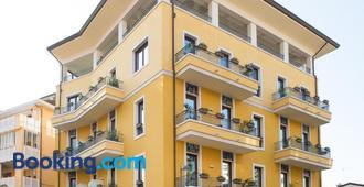Hotel Villa Venezia - Grado - Gebäude