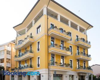 Hotel Villa Venezia - Grado - Building