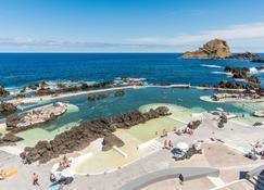 Aqua Natura Madeira Hotel - Порту-Моніш - Пляж