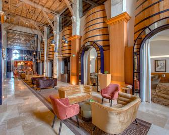 Hotel Chais Monnet & Spa - Cognac - Lobby