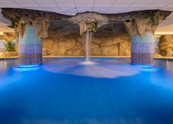 Htop Royal Star & Spa - ลอเร็ต เดอ มาร์ - สระว่ายน้ำ