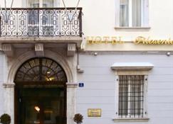 Hotel Filoxenia - Trieste - Building