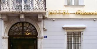 Hotel Filoxenia - Триест - Здание