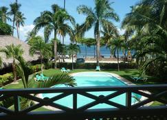 La Dolce Vita Residence - ลาส เทอเรนาส - สระว่ายน้ำ
